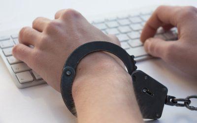 Syndrom IAD (Internet Addiction Disorder) – czym jest i jak się przejawia?