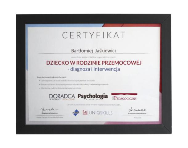Certyfikat ukończenia kursu dot. diagnostyki i interwencji w przemocy dziecięcej w rodzinie - terapeuta Bartłomiej Jaśkiewicz