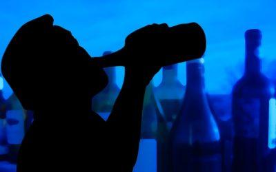 Kogo najczęściej dotyka alkoholizm? Grupy społeczne najbardziej narażone na uzależnienie od alkoholu